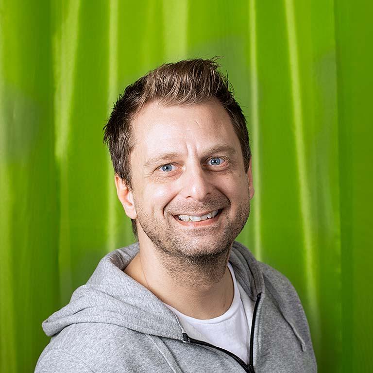 Medarbetare Jesper Friberg André med Vänner